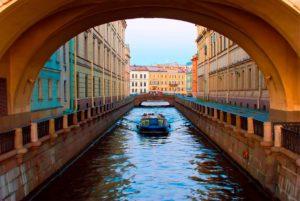 Экскурсия по рекам и каналам Петербурга